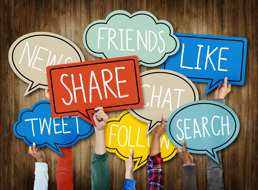 10-Hands-holding-speech-bubbles-with-social-media